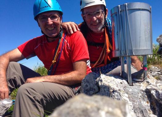 Con Txema Garay en el Balerdi. Él está a favor de los buzones, yo en contra